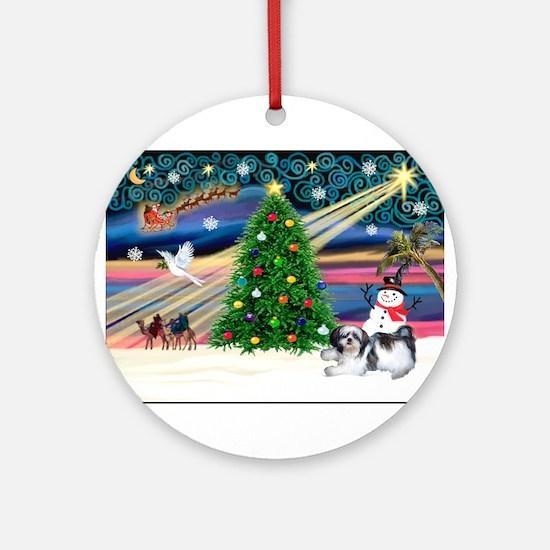 Xmas Magic & Shih Tzu (11) Ornament (Round)