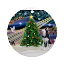 Xmas Magic/Siberian Husky 1 Ornament (Round)
