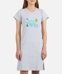 Nursing Student IV 2011 Women's Nightshirt