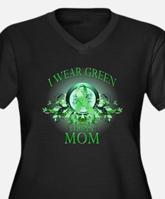 I Wear Green for my Mom (flor Women's Plus Size V-