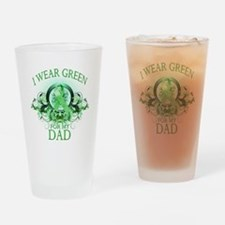 I Wear Green for my Dad (flor Drinking Glass