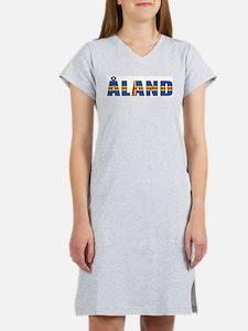Aland Islands Women's Pink Nightshirt