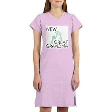 New Great Grandma (green) Women's Pink Nightshirt