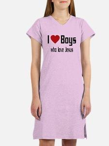 I Love Boys Women's Nightshirt