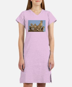 Cheetah mom and four cubs Women's Nightshirt