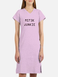 MST3K Junkie Women's Nightshirt