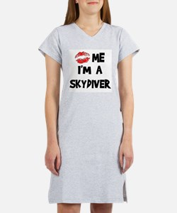 Kiss Me I'm A Skydiver Women's Pink Nightshirt