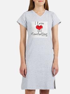 I Love (heart) Crocheting Women's Nightshirt