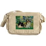 Bridge / 2 Pomeranians Messenger Bag