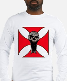 skull on red iron cross Long Sleeve T-Shirt