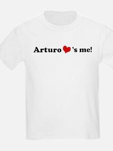Arturo Loves Me Kids T-Shirt