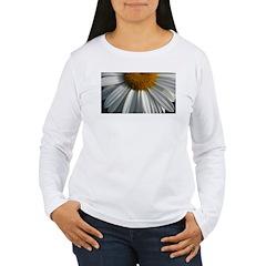 .half-daisy. T-Shirt