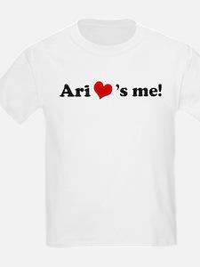Ari loves me Kids T-Shirt