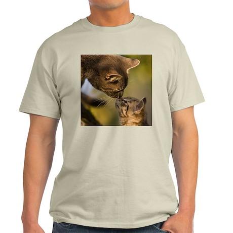 Kitten kiss Light T-Shirt