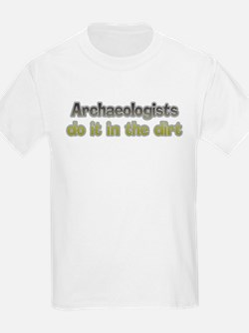 Archaeologists do it Kids T-Shirt