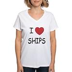 I heart ships Women's V-Neck T-Shirt