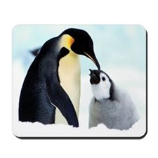 Mother and baby penquins Mousepad