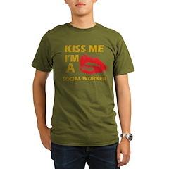 Kiss me I'm a Social worker T-Shirt