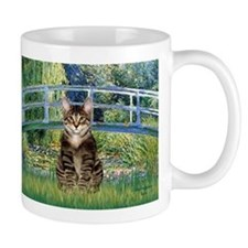 Bridge / Brown tabby cat Mug