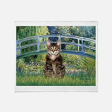 Bridge / Brown tabby cat Throw Blanket