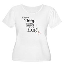 Need for a hug Women's Plus Size Scoop Neck T-Shir