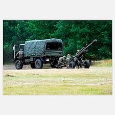 A Belgian artillery unit setting up the LG1 105 mm