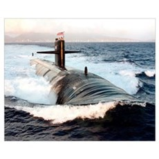 Starboard bow view of Attack Submarine USS Los Ang Poster