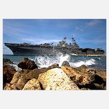 The amphibious assault ship USS Kearsarge visiting