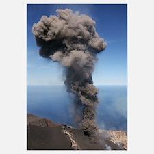 Stromboli ash eruption Aeolian Islands north of Si