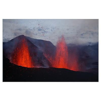 Fimmvrduhals eruption lavafountains Eyjafjallajkul Poster