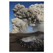 Eyjafjallajkull eruption steaming lava bomb impact