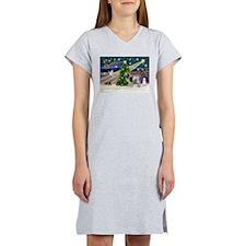 Xmas Magic & Spinone Women's Nightshirt