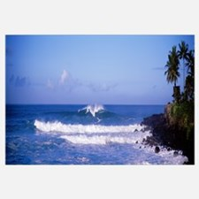 Hawaii, Waimea Bay, breaking waves