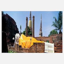 Temple Ruins and Reclining Buddha Ayudhaya Thailan
