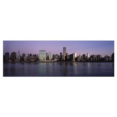 Buildings at the waterfront viewed from Queens, Un Framed Print