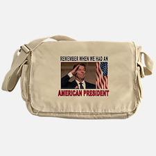 BEST TEAM Messenger Bag