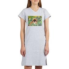 Irises / Pekingese(r&w) Women's Nightshirt