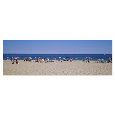 Tourists on the beach, East Hampton, Long Island, Poster