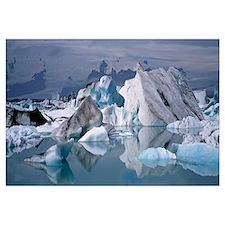 Iceland, Vatnajokull Glacier, Glacier floating on