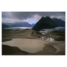 Iceland, Skaftafell National Park, Storm cloud ove