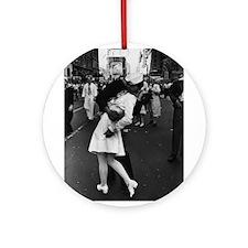 Sailors Kiss Best Ornament (Round)