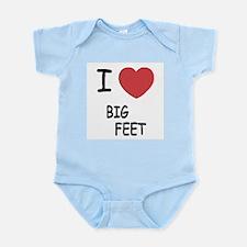 I heart big feet Infant Bodysuit