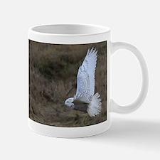 Snowy Owl flying Mug