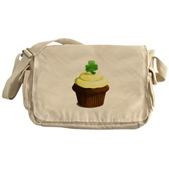 St. Patrick's day cupcake Messenger Bag
