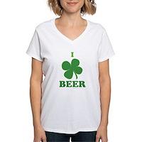 I Love Beer Clover Women's V-Neck T-Shirt