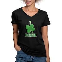 I Love Beer Clover Women's V-Neck Dark T-Shirt