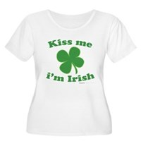 Kiss Me Im Irish Lucky Clover Women's Plus Size Sc