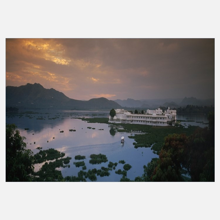 Hotel surrounded by water, Lake Palace, Udaipur, R