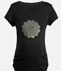 Green and Black Lacey Doily d T-Shirt