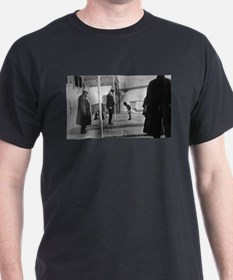 Last Known Picture Taken Aboard the Titanic T-Shirt